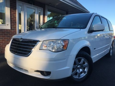 Pre-Owned 2008 Chrysler Town & Country Touring FWD 4D Passenger Van