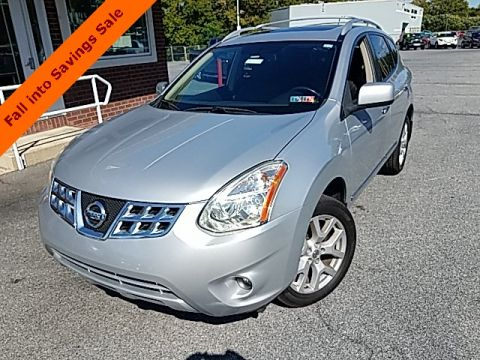 Pre-Owned 2011 Nissan Rogue SL